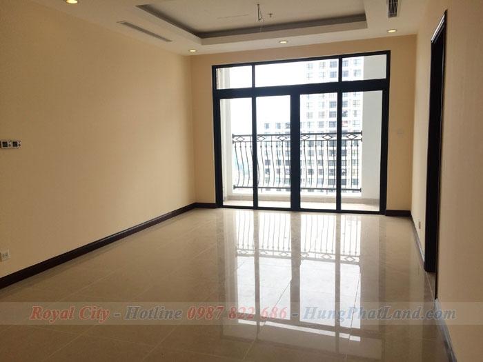 Cho thuê chung cư Royal City R4 Không đồ 2 phòng ngủ