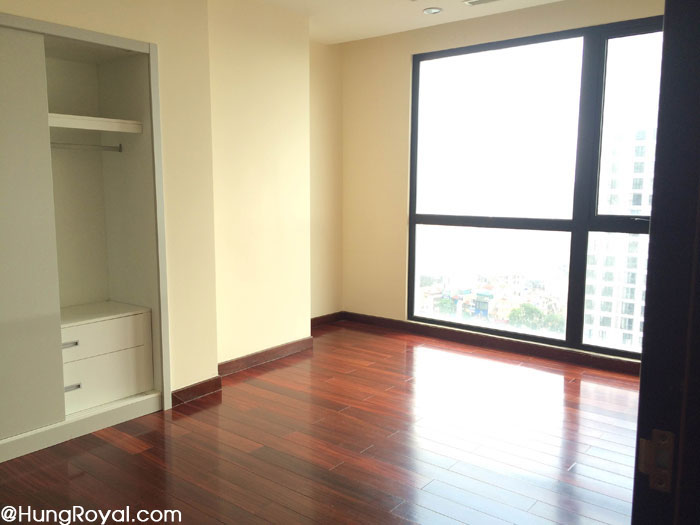 Phòng ngủ lớn (2) - chung cư Royal City 112m2