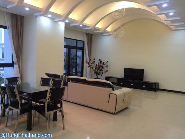Không gian phòng khách - căn hộ Royal City R1 181m2 đủ đồ