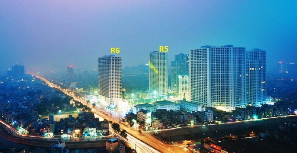 Toà R6 Royal City - ngay mặt tiền của khu đô thị