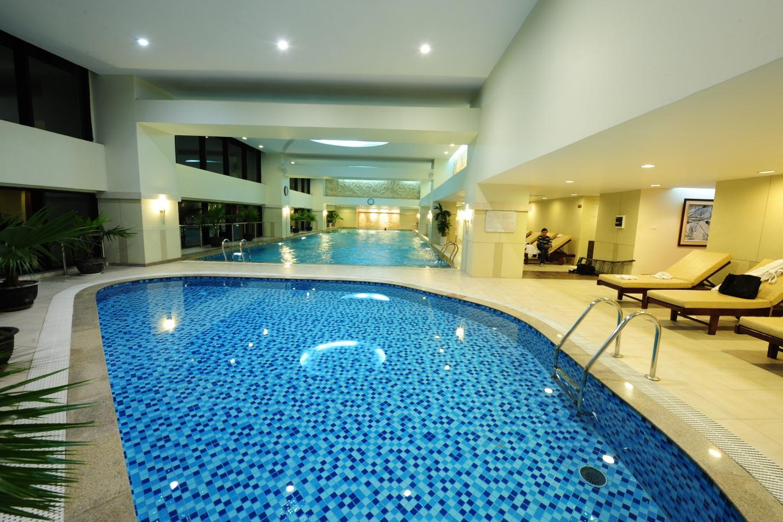 Bể bơi tại tầng 2A - toà R6 Royal City