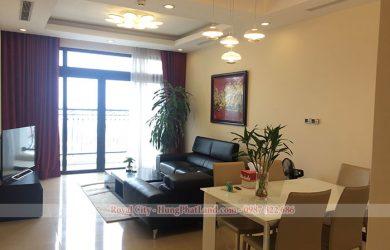Phòng khách căn hộ Royal City