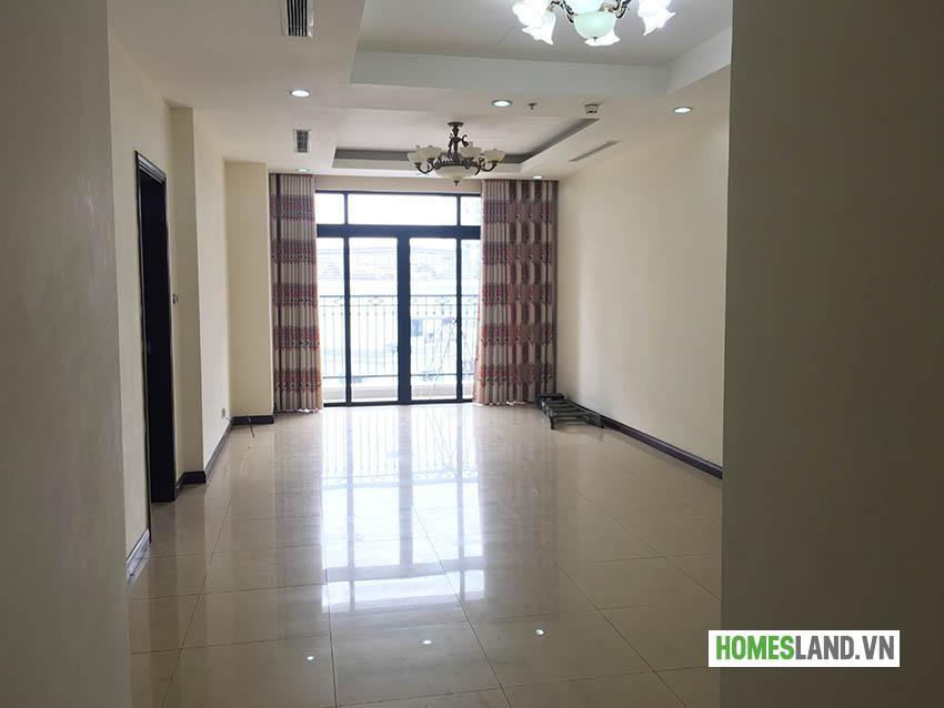 Không gian phòng khách căn hộ chung cư Royal City cho thuê