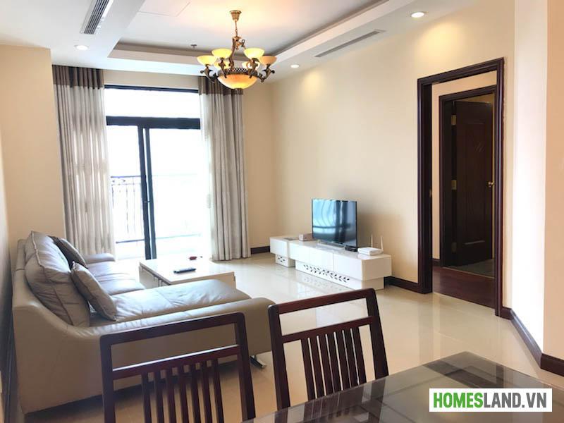Không gian phòng khách căn hộ Royal City đủ đồ 93m2