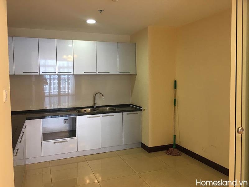 Bếp - căn hộ Royal City R2 145m2 không đồ cho thuê