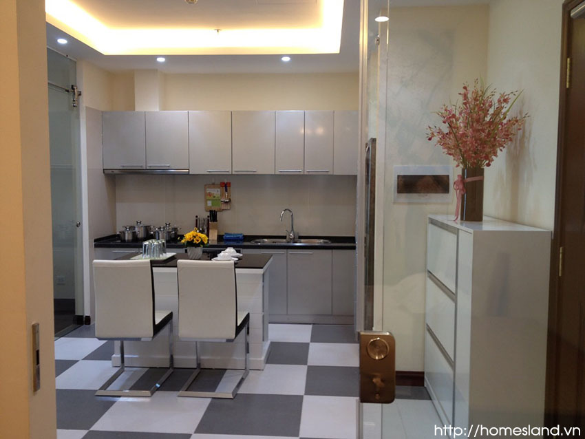 Không gian bếp - khu ăn uống của căn hộ Royal City R1