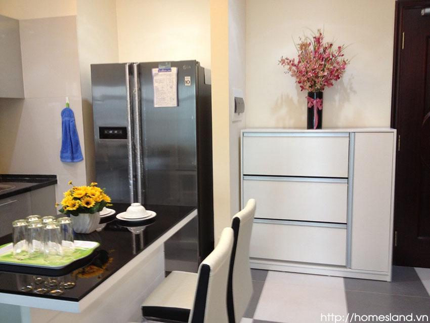Tủ lạnh của căn hộ Royal City R1 cho thuê