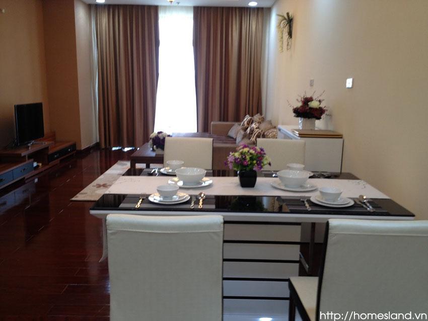 Bộ bàn ghế bàn ăn căn hộ Royal City đủ đồ 110m2 2 ngủ