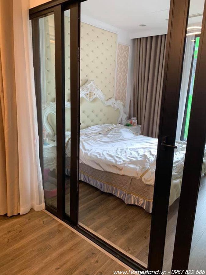 Giường ngủ căn hộ 55m2 1 ngủ toà R6 Royal City