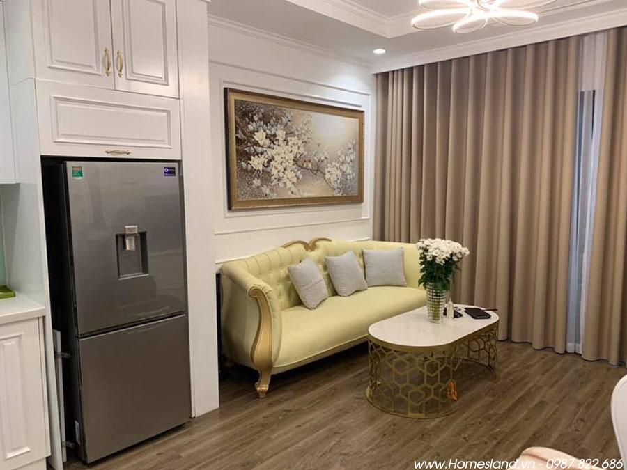 Ghế Sofa phòng khách căn hộ Royal City R6 55m2 đủ đồ.