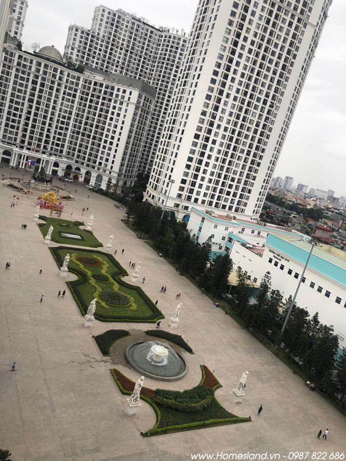 View từ ban công của căn hộ R6 55m2 Royal City.