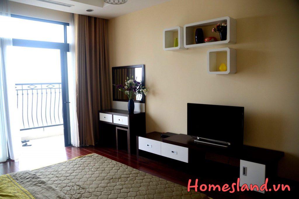 Không gian  phòng khách căn hộ R4 Royal City