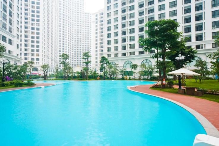Bể bơi Royal City