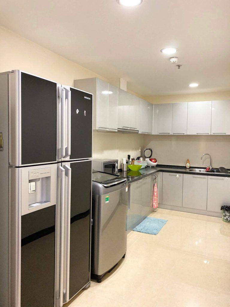Không gian phòng bếp căn hộ 3pn sảnh B tòa R1