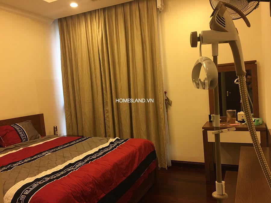 Phòng ngủ chính của căn hộ Royal City 88m2
