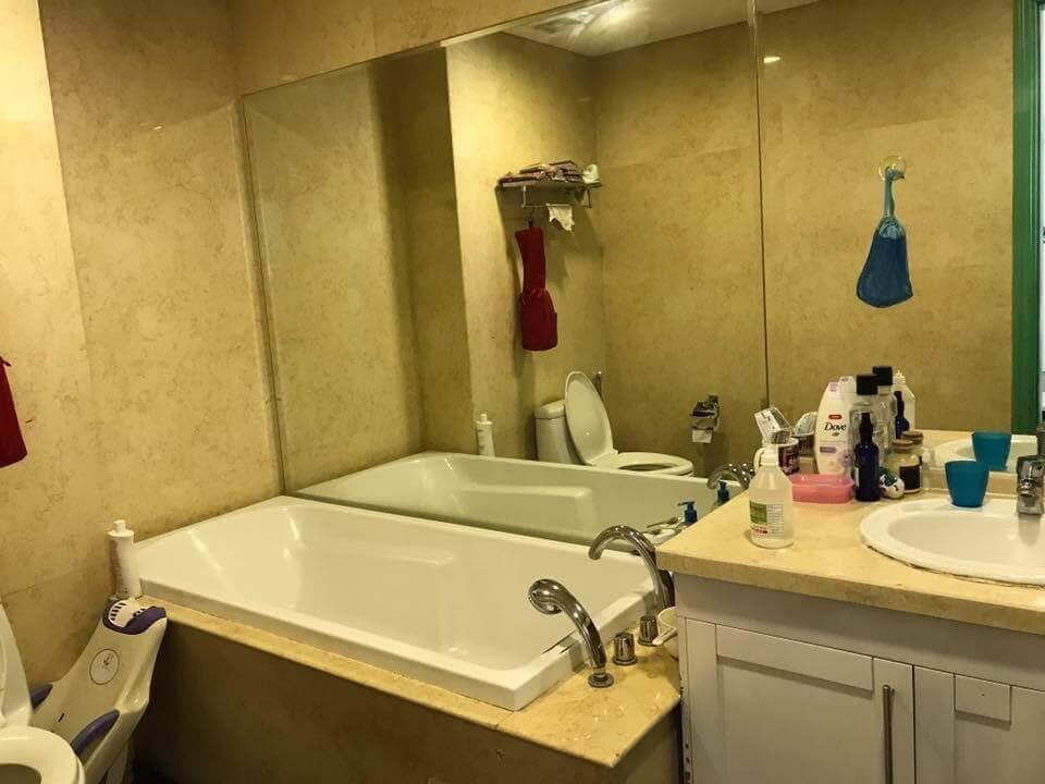 Phòng tắm của căn 2pn đủ đồ R1