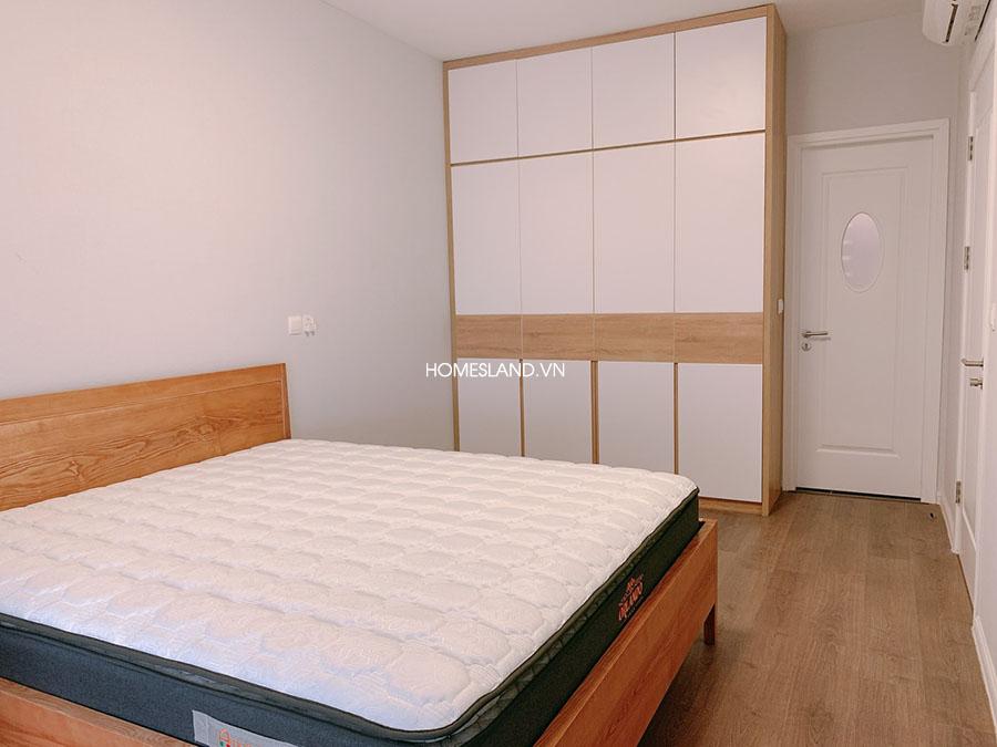 Giường phòng ngủ - căn hộ Imperia Sky Garden 2 ngủ đủ đồ