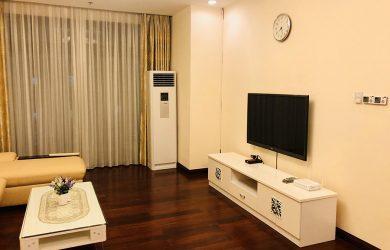Tivi + kệ tivi phòng khách căn hộ Royal City 114m2 toà R1