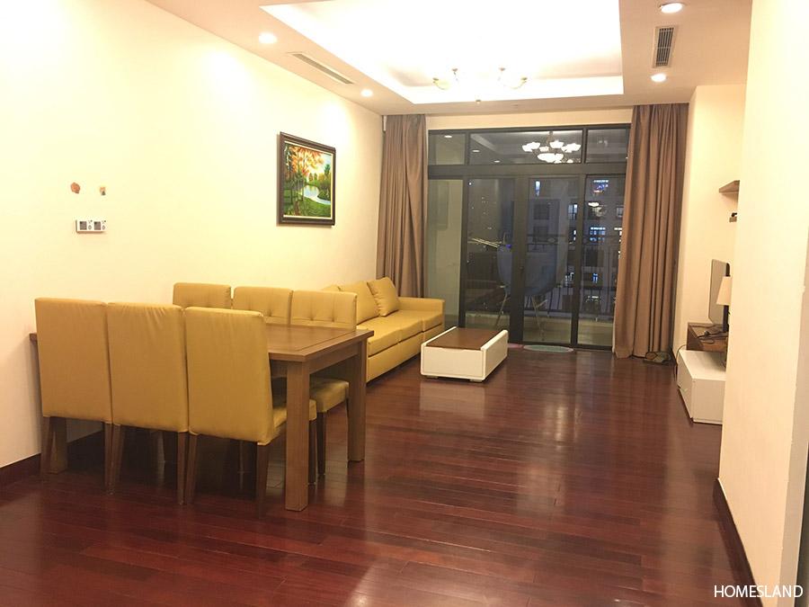 Không gian phòng khách căn góc 132m2 tòa R4
