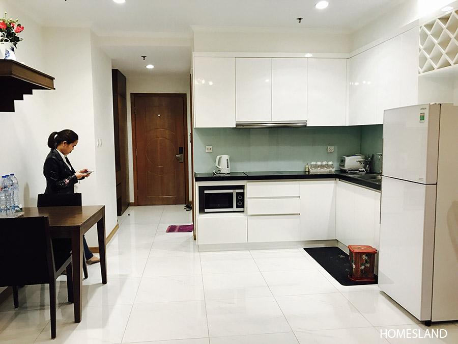 Không gian phòng khách & bếp - căn hộ 1 ngủ toà R6