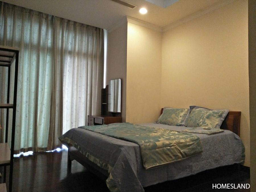 Phòng ngủ Master - căn hộ 2 ngủ sáng toà R1
