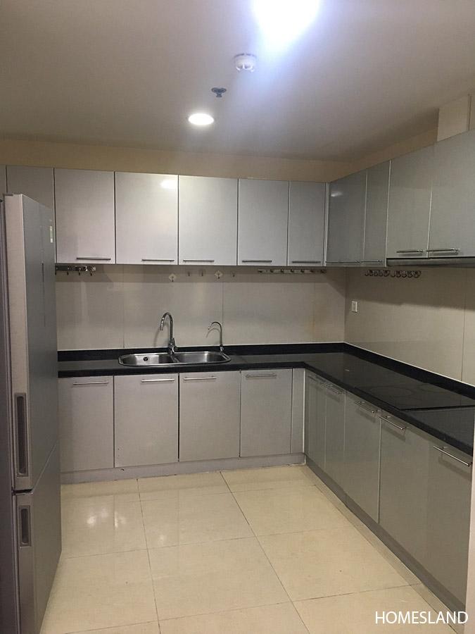 Phòng bếp căn hộ 2 ngủ sáng toà R1