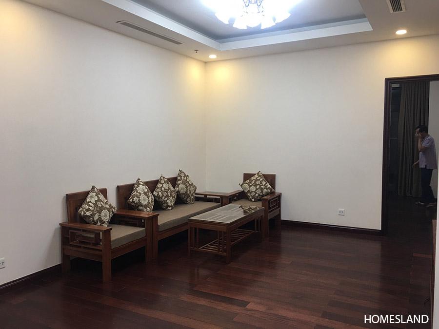 Phòng khách căn hộ 2 ngủ sáng toà R1