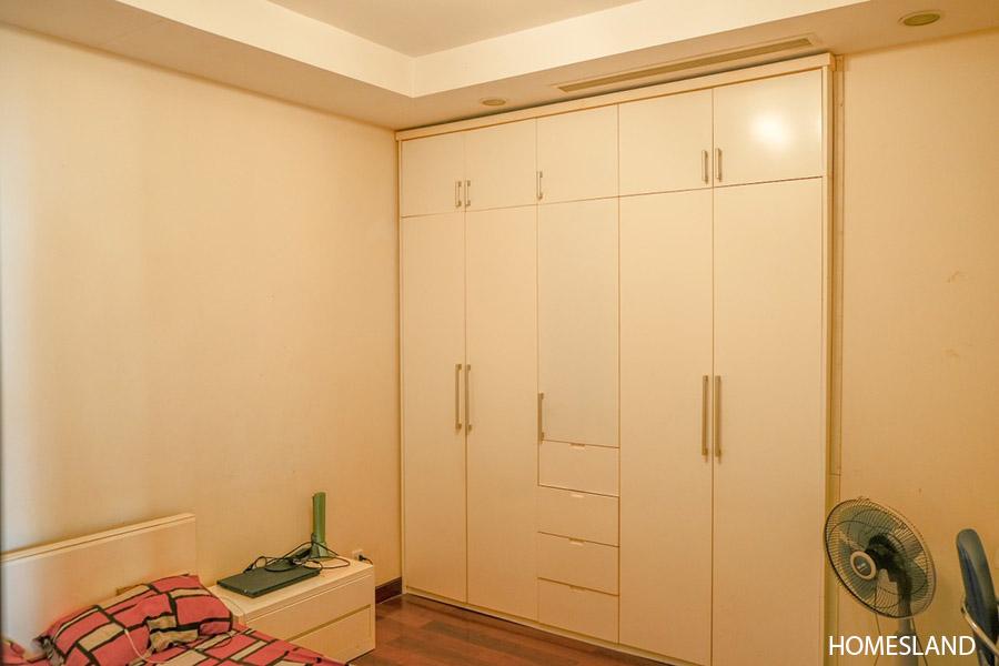 Phòng ngủ nhỏ trong căn hộ 2 ngủ toà R5