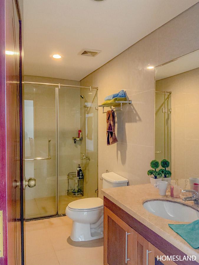 Phòng tắm  - căn hộ 2 ngủ toà R5